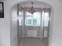 bedroom dressing room mirrored sliding door wardrobe