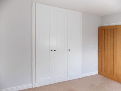 Fitted Hinged Wardrobe Gloss White Closed