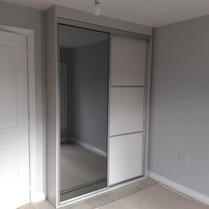 Mirrored Sliding Wardrobe Exterior